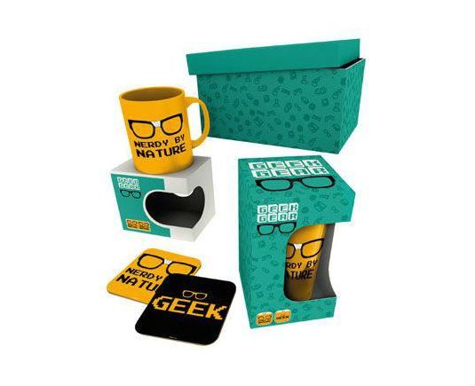 Coffret Cadeau Geek Gear - GeekOuPop by Mlle Geek